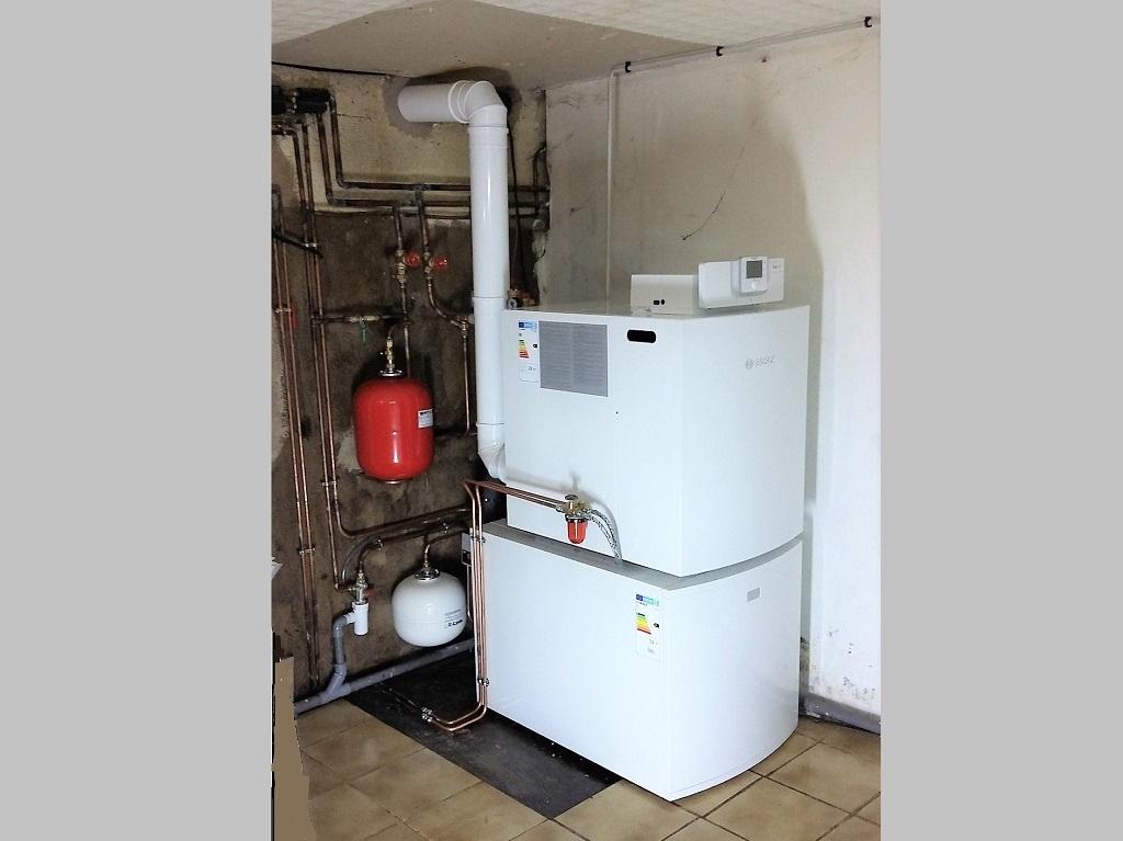Installation d'une chaudière fioul à condensation, BOSCH OLIO CONDENS 7000 F 22, à BEAUMONT LES NONAINS, 60390, OISE, 60.