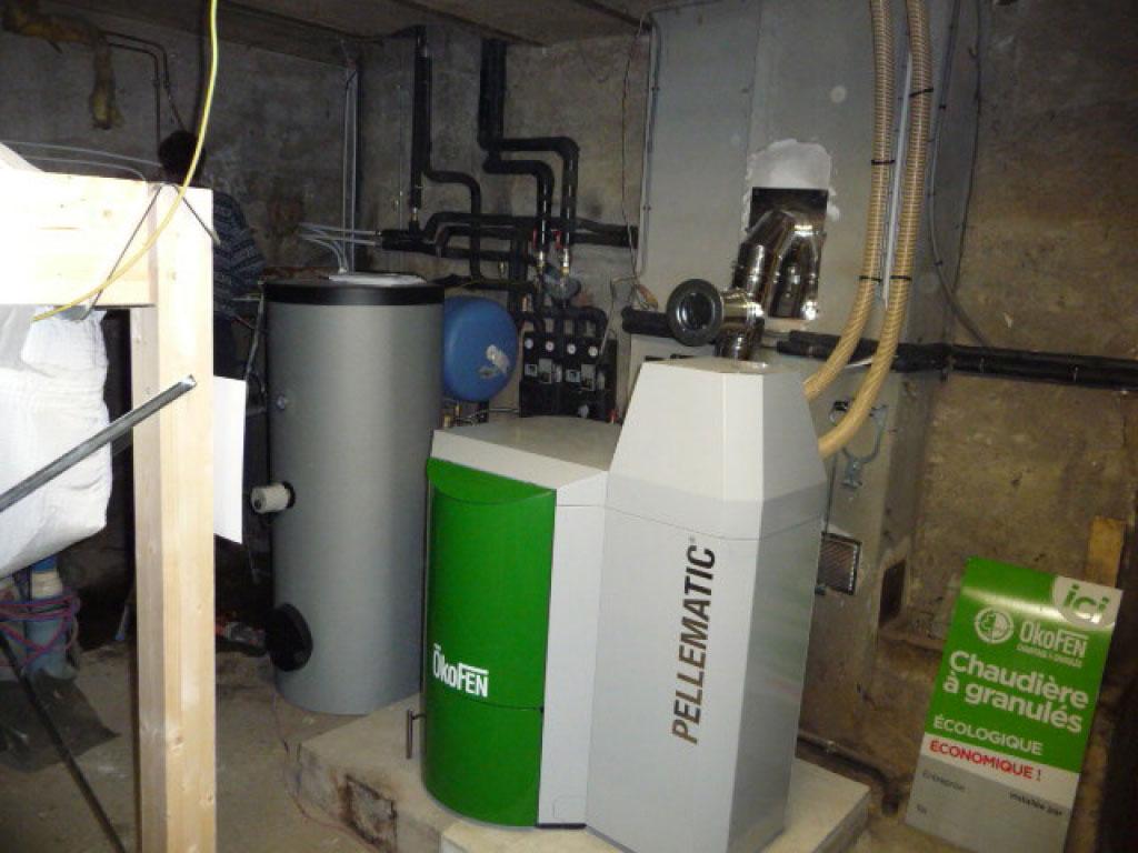 installation d'une chaudière à granulés Okofen PES20 avec alimentation par aspiration