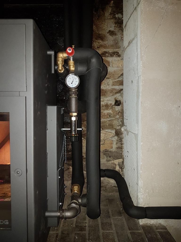 Poèle à Bûches Hydro - 11 radiateurs mais pas d'appoint !