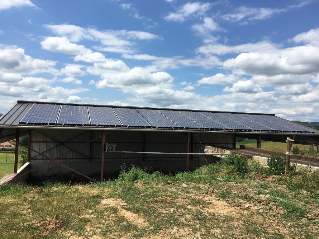 Installation  photovoltaique sur un bâtiment agricole
