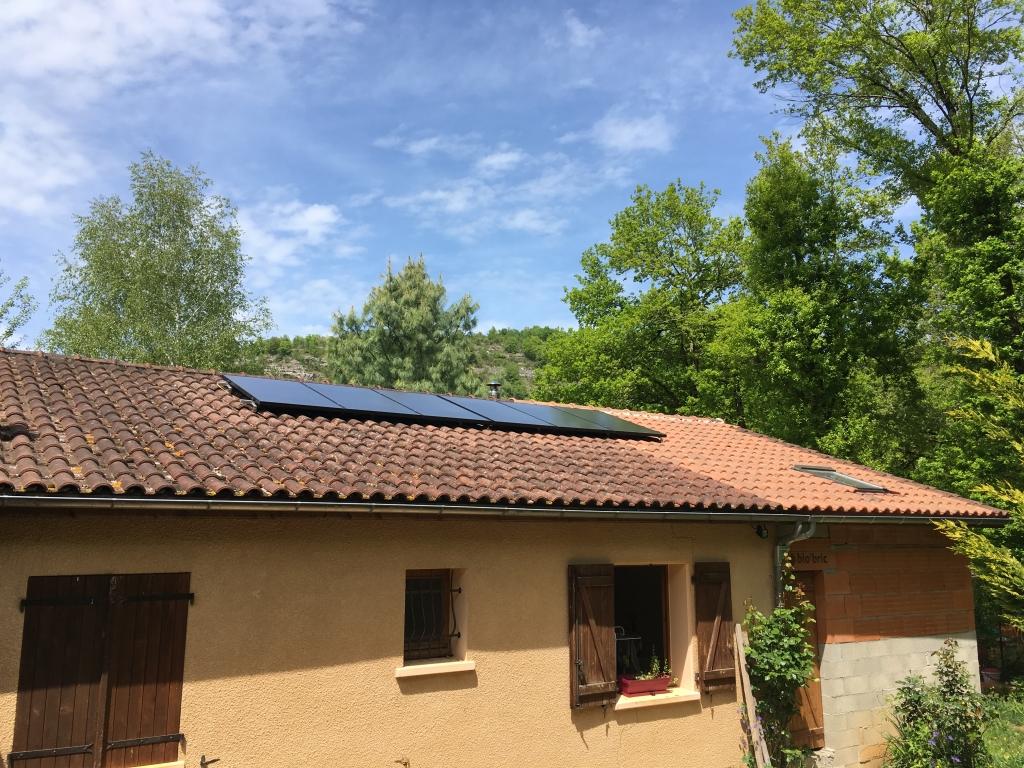 Installation photovoltaïque 1.8 kwc en autoconsommation avec 6 capteurs hybrides
