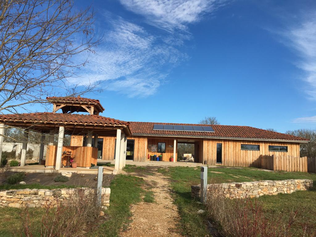 Camping: Production d'eau chaude sanitaire solaire à Livernon - Lot - 46-Lot (46)