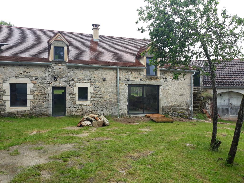 Installation poêle à granulé de bois CMG hydraulique sur plancher chauffant à Limogne en Quercy - Lot - 46