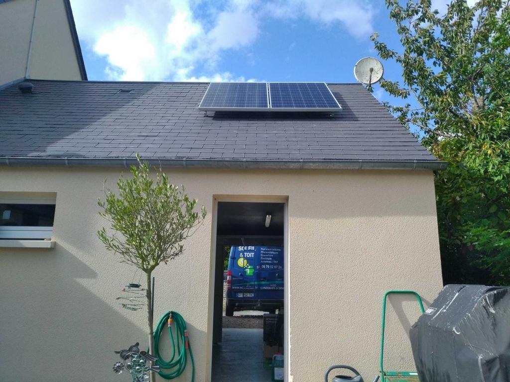 Installation panneaux solaires photovoltaiques en auto consommation sur garage-Calvados (14)