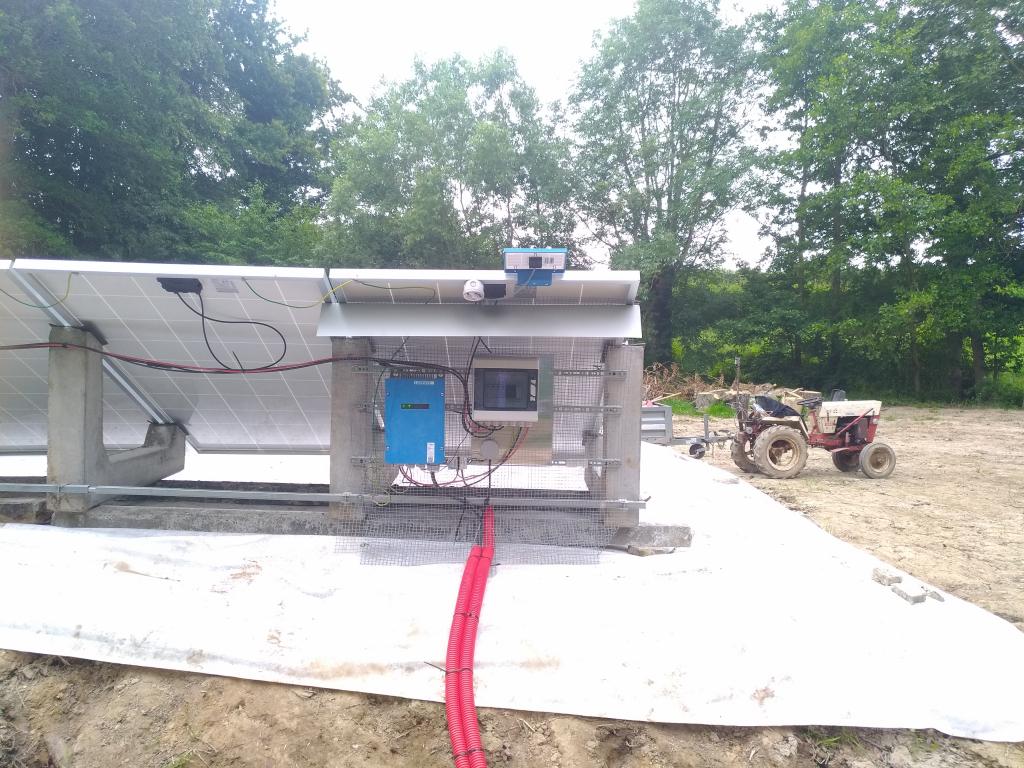Realisation d'un pompage isolé grâce à des panneaux solaires photovoltaiques