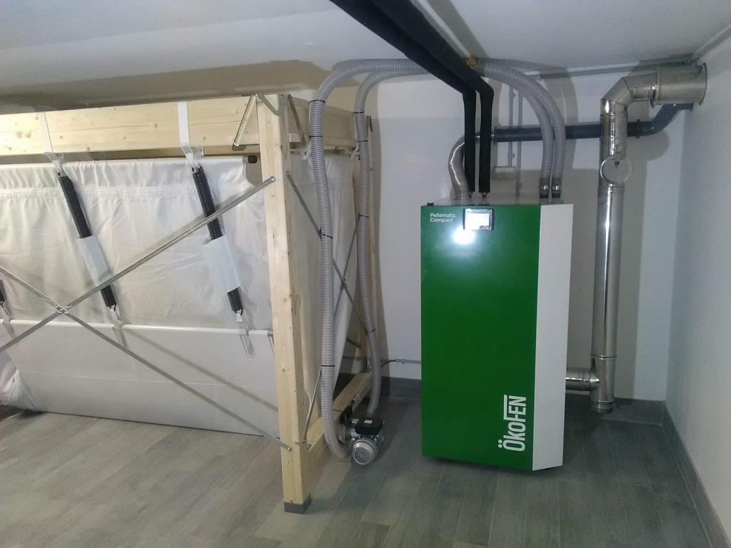 Installation chaudière granulés de bois OKOFEN PES212 à système d'aspiration de granulés avec silo textile KGT2614FR