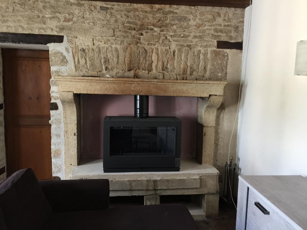 Pose poele à bois INVICTA dans cheminée a foyer ouvert renovation