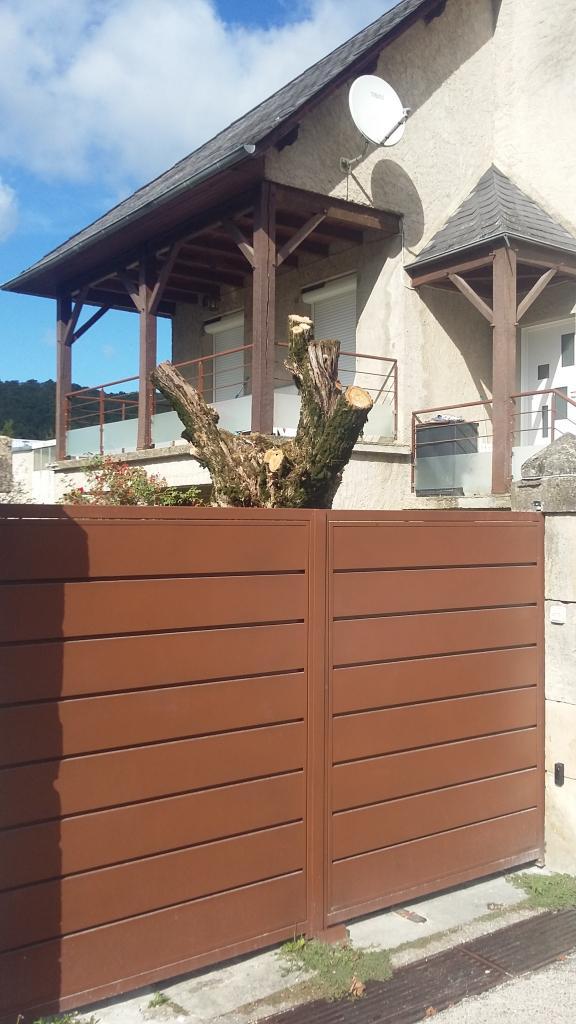 Notre réalisation - Portail métallique deux vantaux automatisés Aveyron