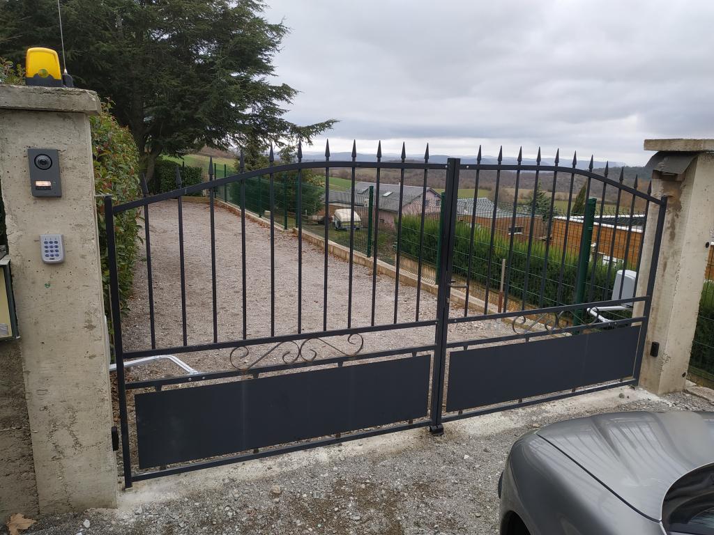 Notre réalisation automatisation portail et portier de villa vidéo Millau Aveyron