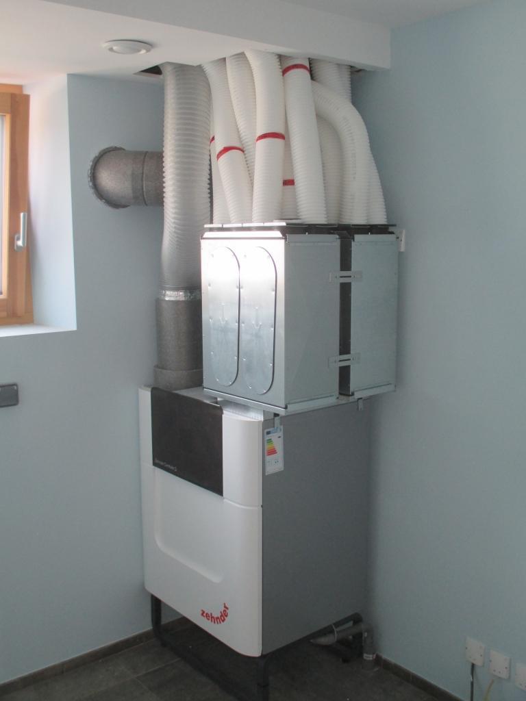 Installation d'une Ventilation Double Flux dans une maison en auto-construction-Haute Savoie (74)