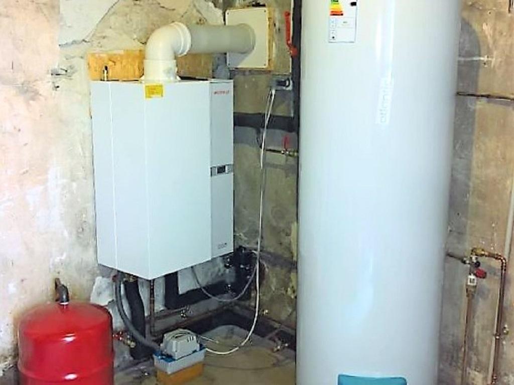 Installation chaudière gaz condensation WEISHAUPT + chauffe eau électrique