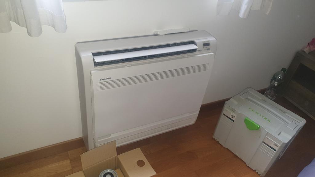 Remplacement du moteur du ventillateur intérieur Daikin console