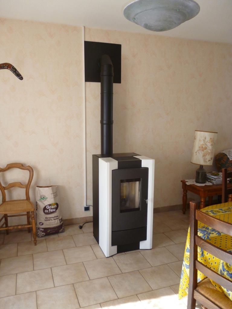 POÊLE A GRANULES RIKA COMO-Loiret (45)