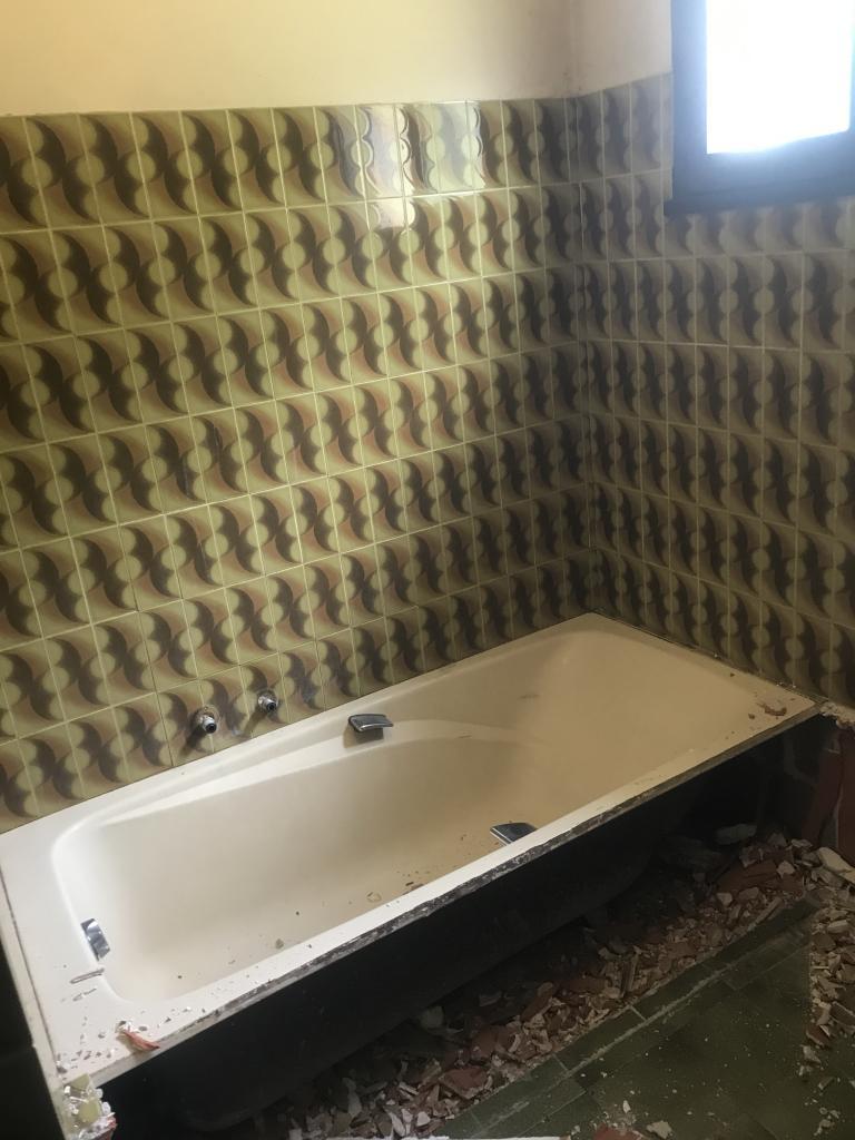 Rénovation d'une salle d'eau: remplacement d'une baignoire par une douche à l'italienne