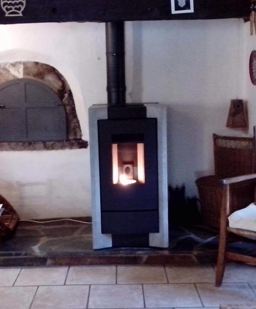 Poêle à granulés RIKA à Golinhac, AVEYRON (12)-Aveyron (12)