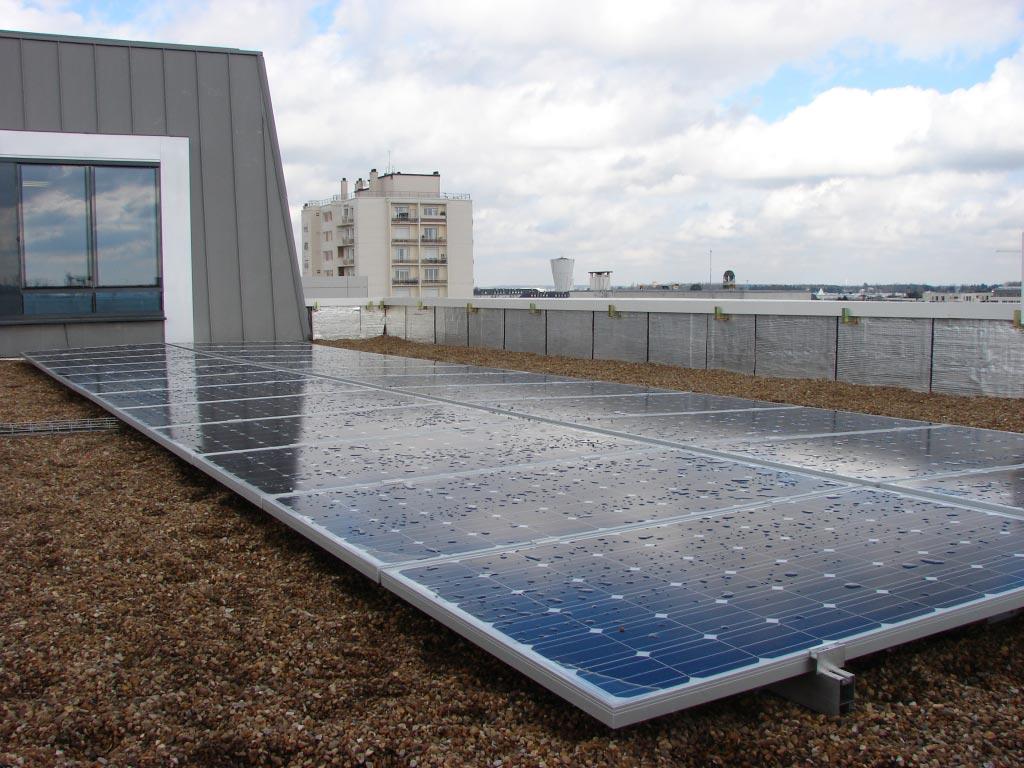 Photovoltaïque sur terrasse d'immeuble à Tours - Indre et Loire