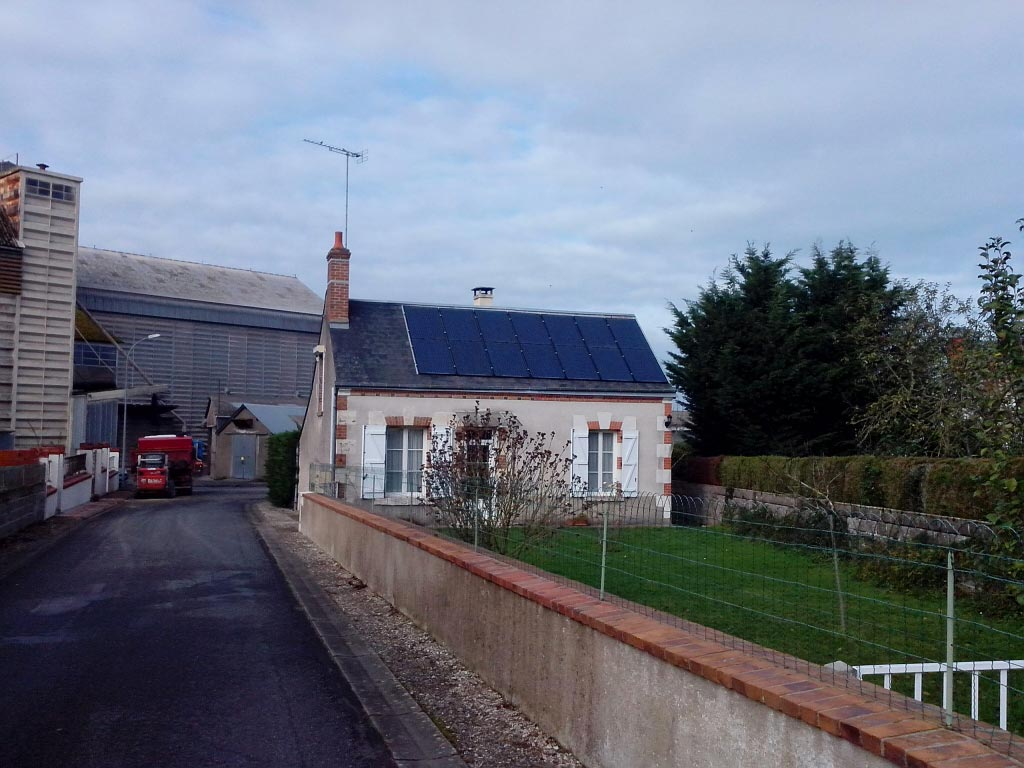 Intervention sur générateur photovoltaïque défectueux à Herbault, Loir et Cher (41)-Loir et Cher (41)