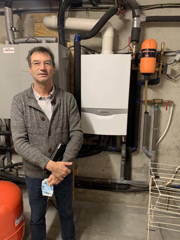 Pose d'une chaudière gaz condensation Vaillant ecoTEC plus systèmes en remplacement