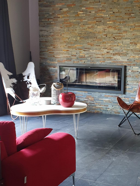 Installation d'un foyer à bois de la marque STOVAX modèle RIVA STUDIO 3
