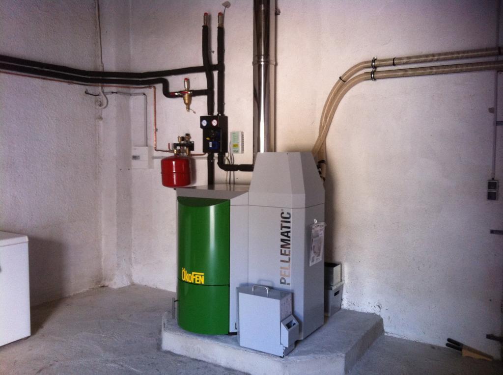 Installation d'une chaudière à granulés de la marque OKOFEN modèle PELLEMATIC PES15