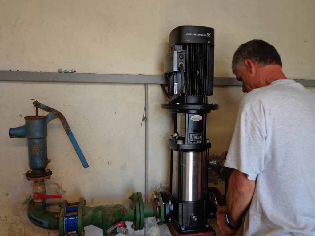 Plombier - Installateur - Pompe de puits pour arrosage à Roquemaure 30 Gard et 84 Vaucluse