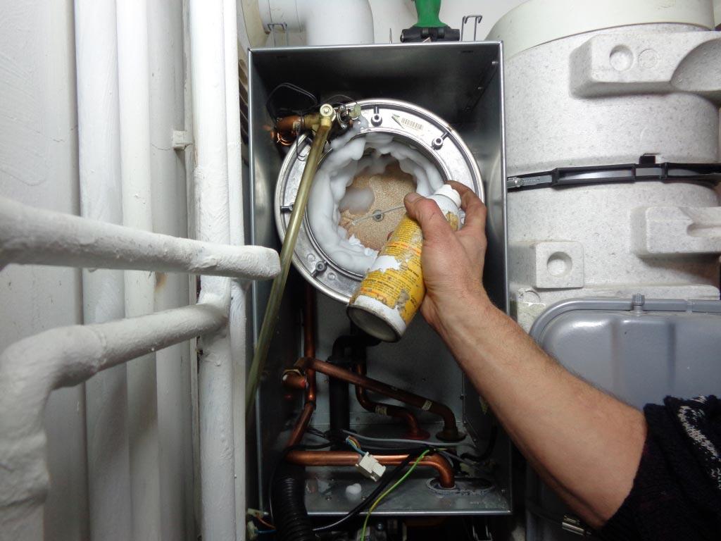 Maintenace SAV chaudières 30 Gard et 13 Bouches du Rhône - Entretien annuel chaudière à condensation gaz à Barbentane 13
