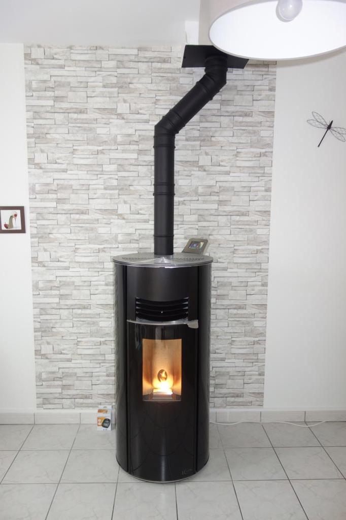 Poêle à granulés de bois Hoben en remplacementd'une cheminée bois bûches à Chanceaux sur choisille 37 Indre et loire