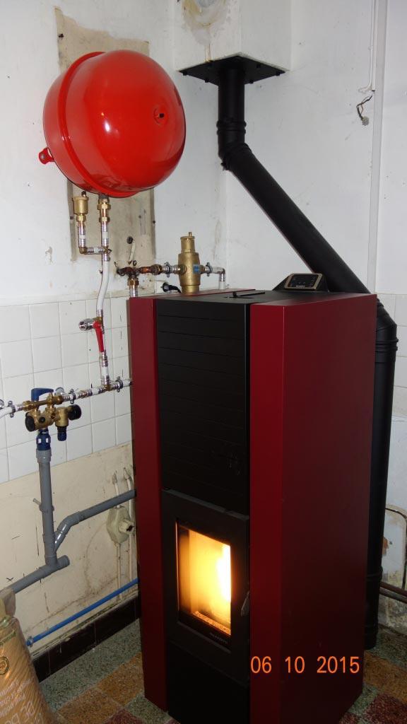 Poêle à granulés de bois (pellets) Hydraulique Palazzetti à Cinq Mars La Pile  - 37 Indre et Loire