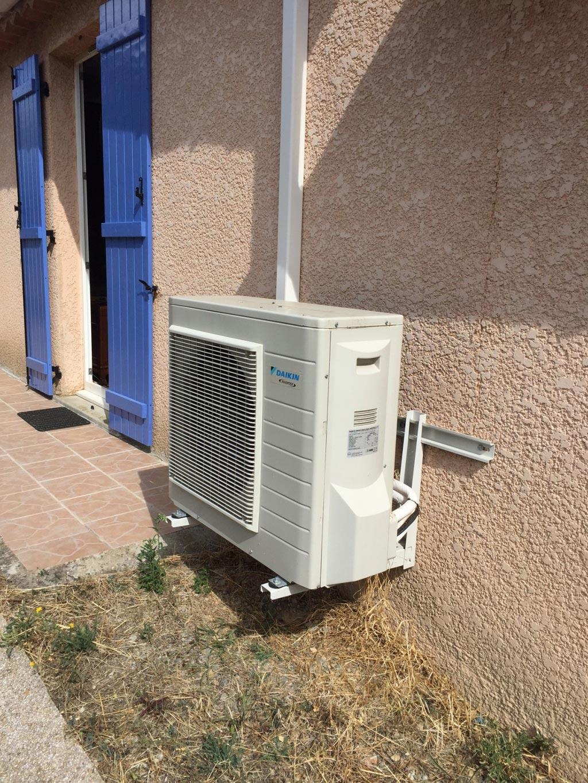 installation et mise en service d 39 une climatisation daikin. Black Bedroom Furniture Sets. Home Design Ideas