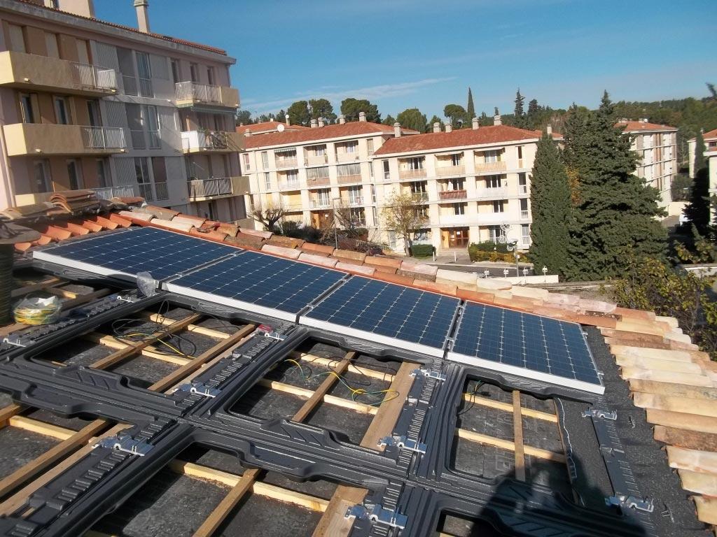 Installateur QualiPv qualifié panneaux Photovoltaïque, production énergie propre pour revente, autoconsommation, vente au surplus, reprise étanchéité, fuites, infiltration d'eau, à Aix en Provence 13 - Bouches du Rhône 13 - PACA, Soleil vert