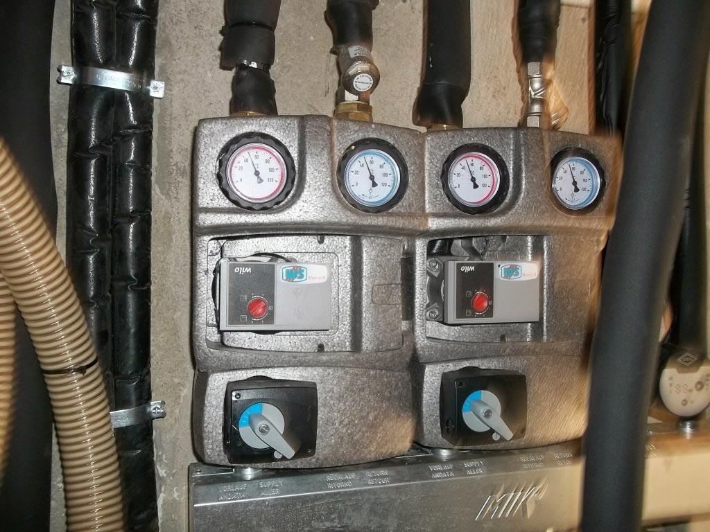 Installation d'une chaudière à granulés (pellets) de la marque OKOFEN et d'un chauffe eau solaire individuel ATLANTIC