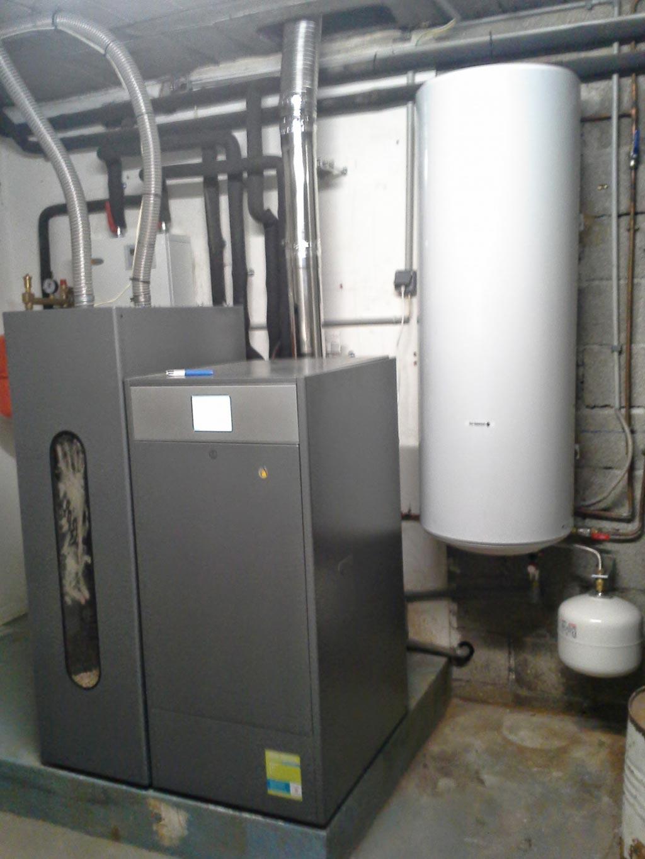 installation d'une chaudière à granulés (pellets) automatique de la marque DOMUSA-Bouches du Rhône (13)