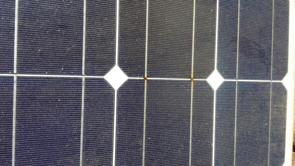 Réparation sinistre électrique sur toiture équipée de panneaux solaires photovoltaïque -Var (83)