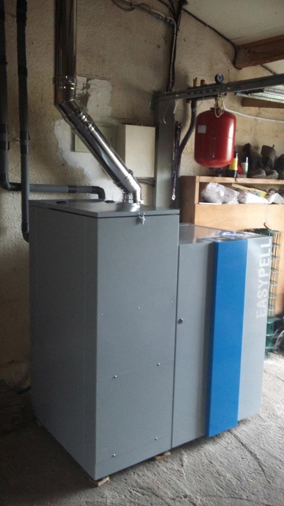 Installation d'une chaudière à granulés (pellets) de la marque EASYPELL