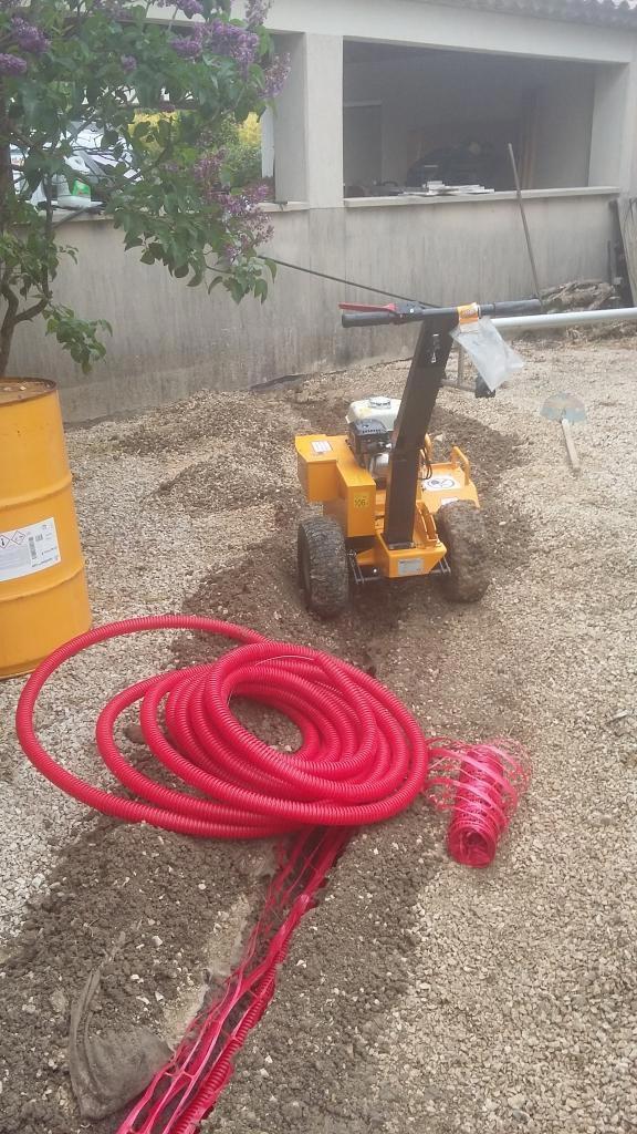 Installation d'une borne de recharge SCHNEIDER ELECTRIC à CABRIES (13)-Bouches du Rhône (13)