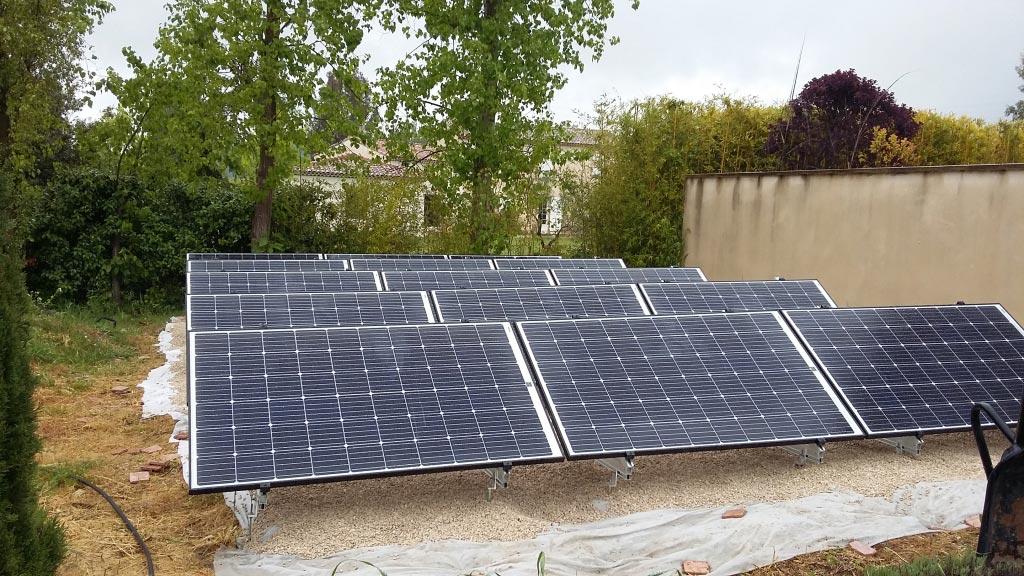 Installation d'un système solaire photovoltaïque au sol d'une puissance de 4500 Wc-Bouches du Rhône (13)