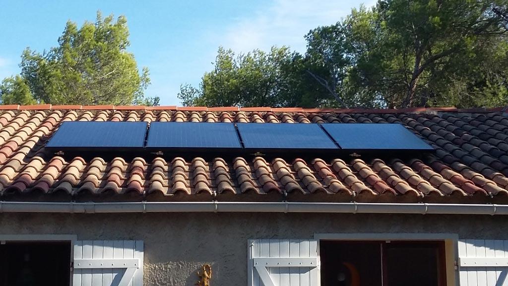 Installation d'un système solaire combiné (thermique et photovoltaïque) DUALSUN