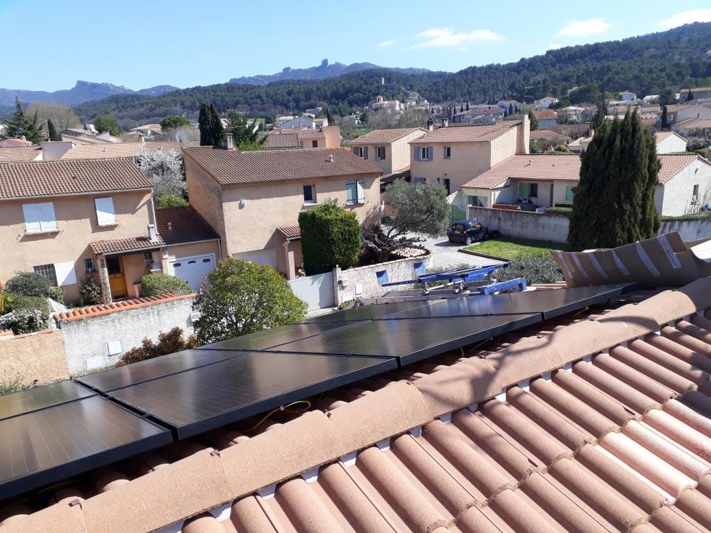 Réalisation d'une installation photovoltaïque 3 kwc en autoconsommation et vente du surplus avec 4 capteurs hybrides