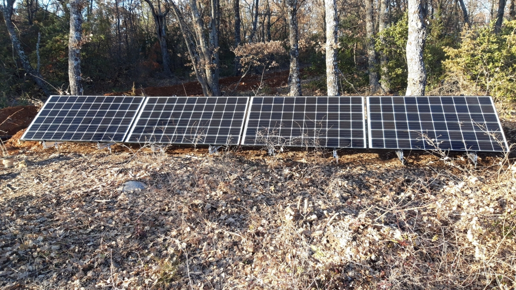 Réalisation d'une installation photovoltaïque en site isolé de 1,2kwc-Alpes de Haute Provence (04)