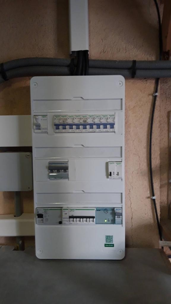 Installation d'une borne de recharge 22 kw pour Véhicule électrique-Bouches du Rhône (13)