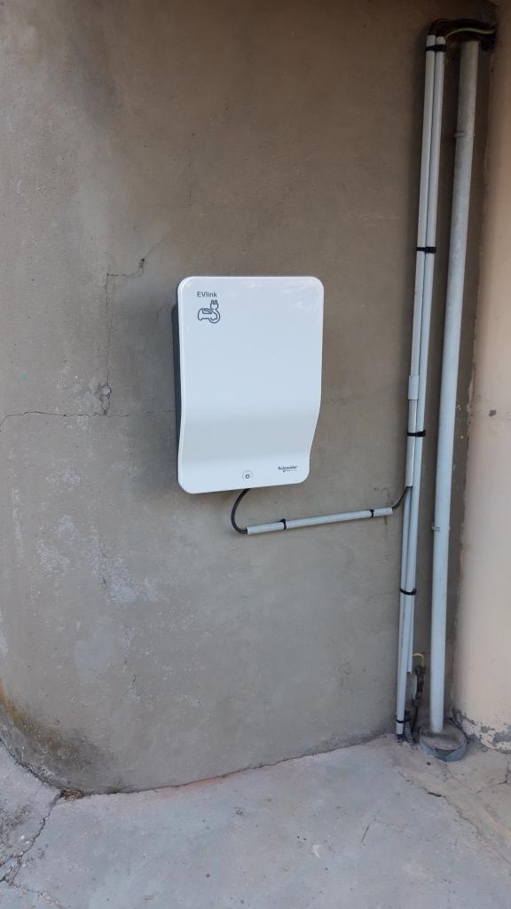 Installation d'une borne de recharge 4 kw pour Véhicule électrique-Bouches du Rhône (13)