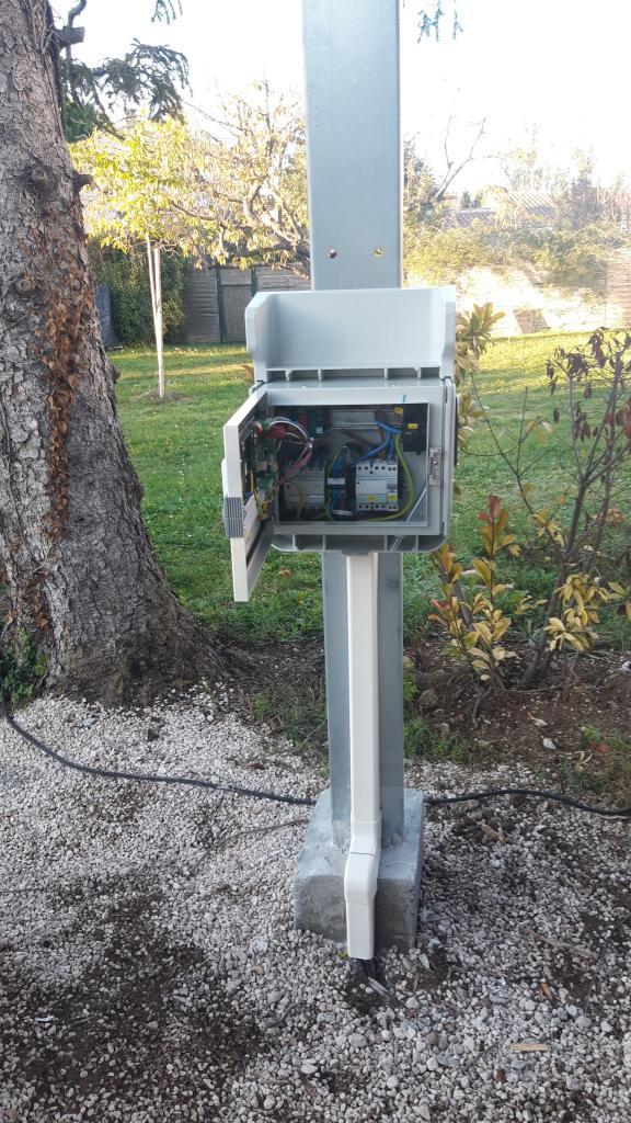 Installation d'une borne de recharge 7 kw pour Véhicule électrique Tesla-Bouches du Rhône (13)