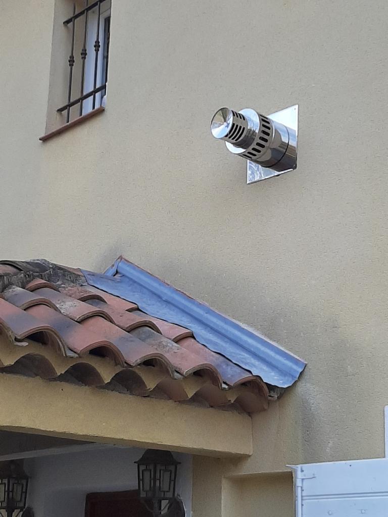 Réalisation d'une installation hybride (thermique + photovoltaïque en auto-consommation de 1.24 Kwc ) couplée à une chaudière granulés COMPACT OKOFEN-Bouches du Rhône (13)