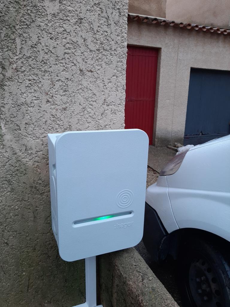 Installation d'une borne de recharge 11 kw triphasée pour Véhicule électrique