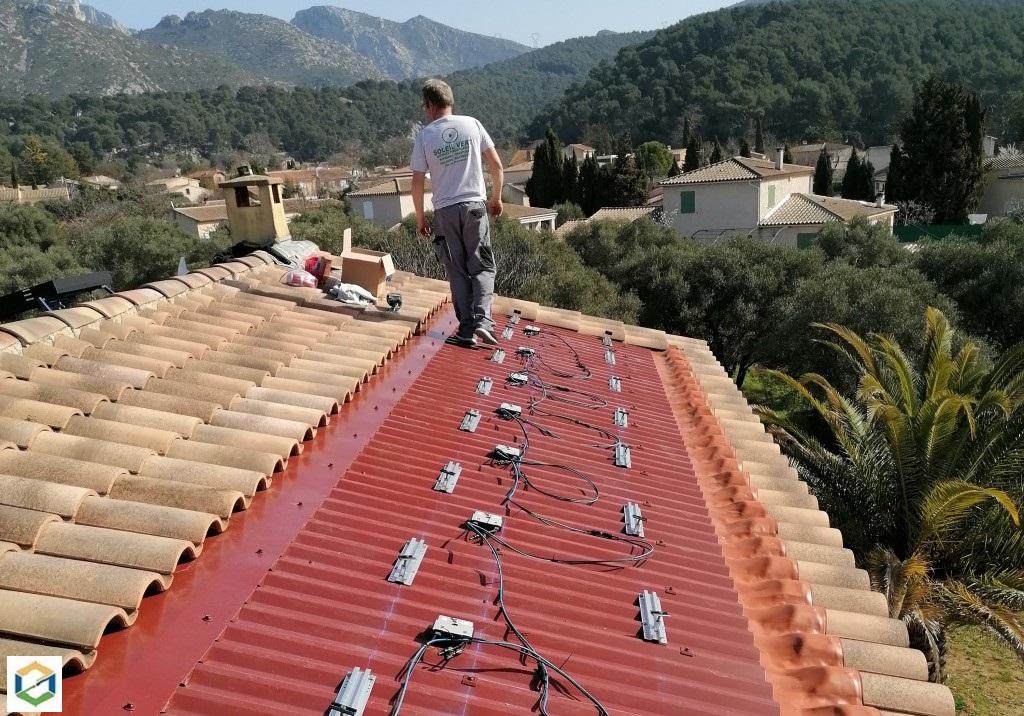sav-reprise-d-une-installation-de-panneaux-solaires-photovoltaiques-integree-bouches-du-rhone-13