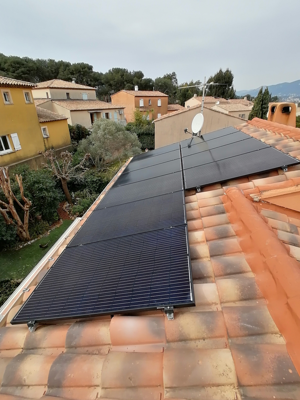 Installation panneaux solaires photovoltaïques sur-imposée 3000Wc pour autoconsommation-Var (83)