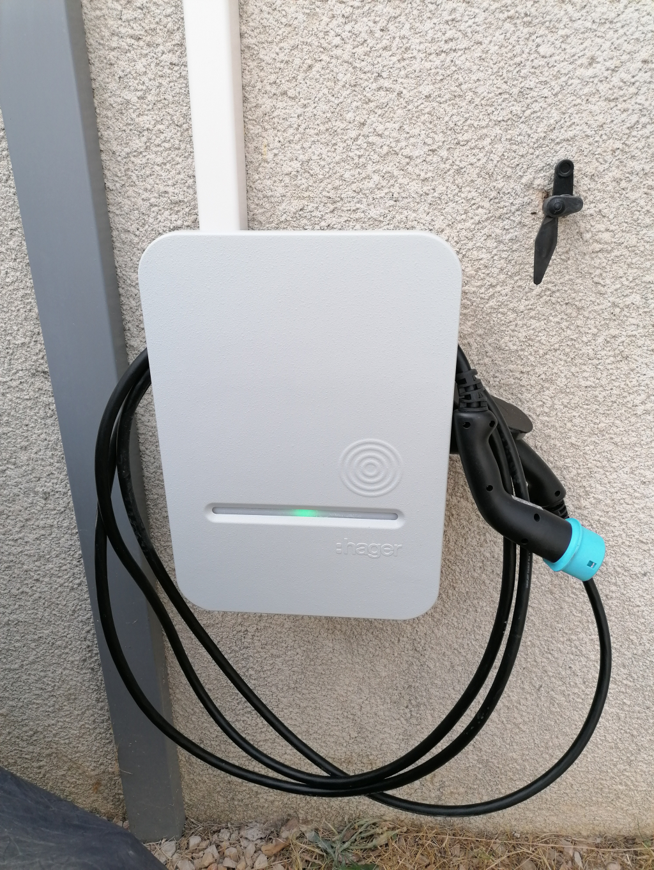 Installation d'une borne de recharge HAGER 7kW pour véhicule électrique-Var (83)