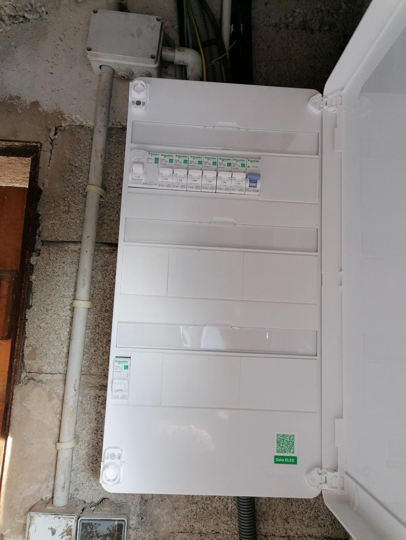Installation photovoltaïque 3 kWc de 8 panneaux en autoconsommation