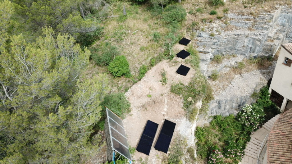 Installation photovoltaïque en autoconsommation dans le jardin