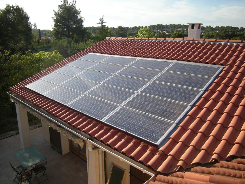 Installation panneaux solaires photovoltaïque intégration au bâti SOLAR FABRIK onduleur SOLARMAX -Bouches du Rhône (13)